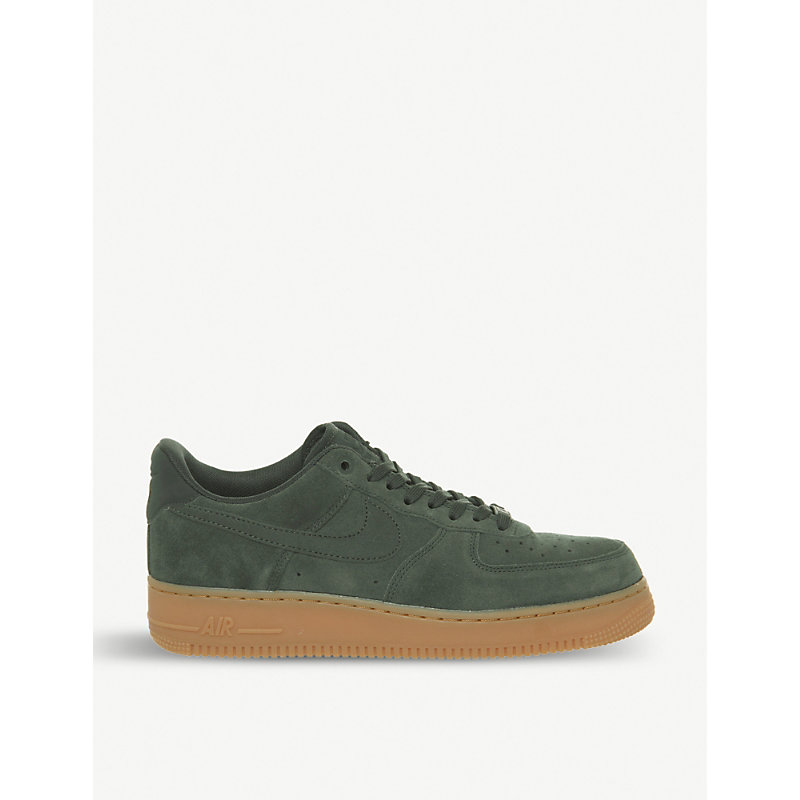 AIR FORCE 1 07 SUEDE TRAINERS