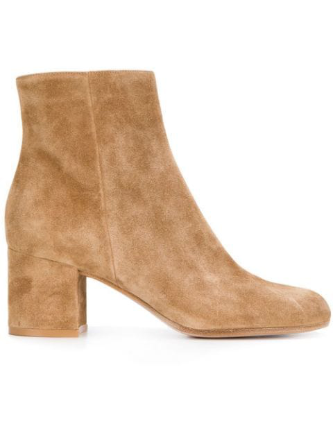 Gianvito Rossi Zipped Ankle Boots In Neutrals