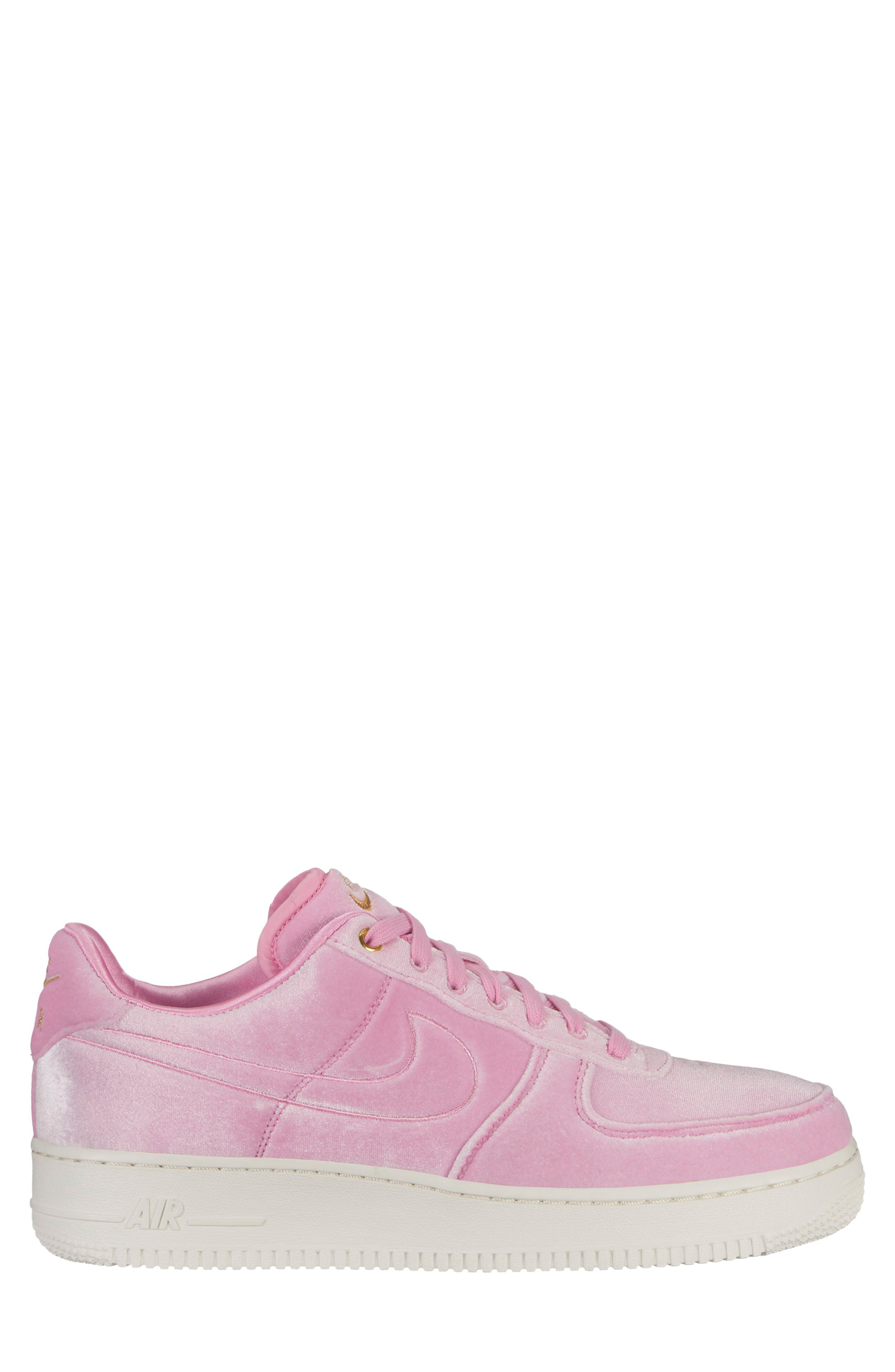 nike air force pink rise