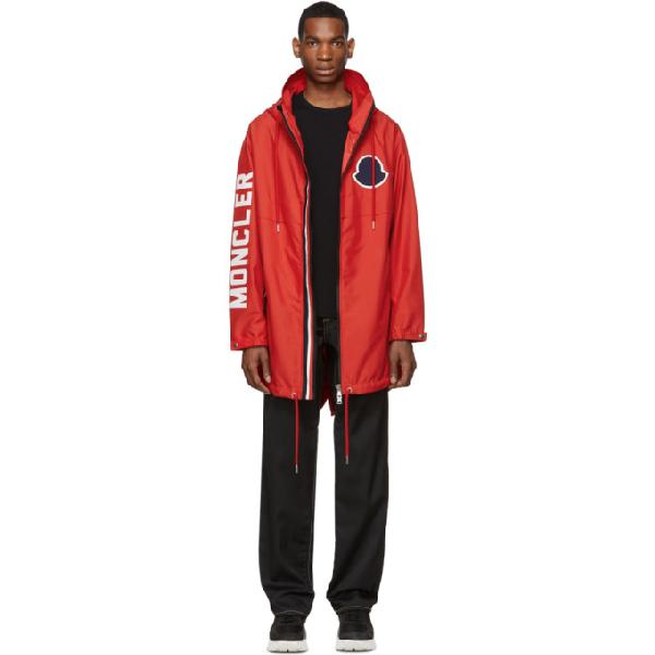 Moncler Logo Print Hooded Coat In 431 Red