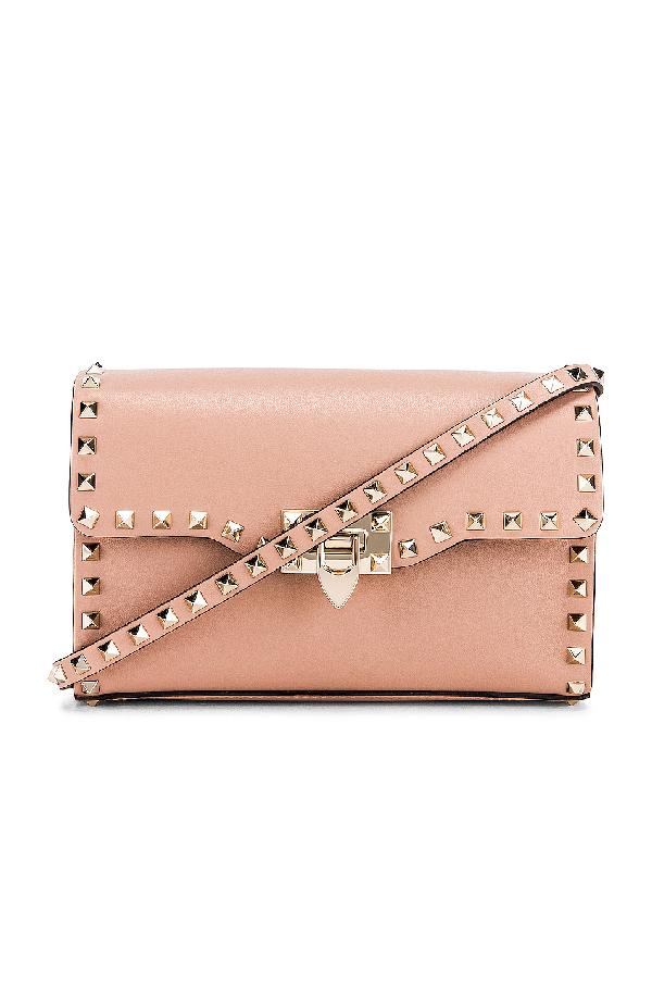 Valentino Rockstud Small Shoulder Bag In Pink In Rose Cannelle