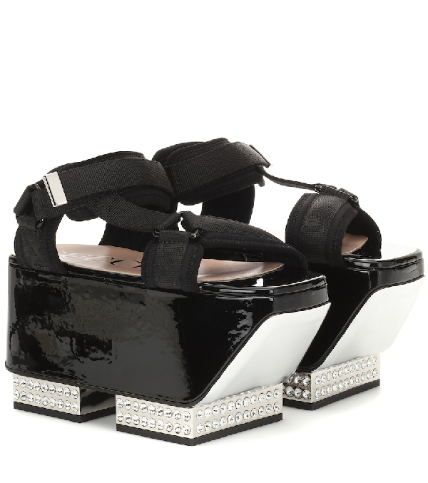 Gucci Crystal-Embellished Platform Sandals In Black