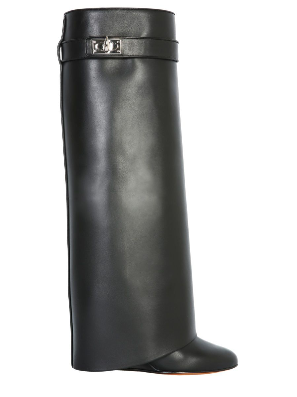 Givenchy Women's Be08905004001 Black Leather Boots