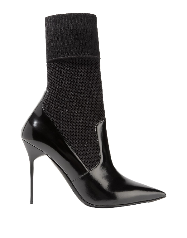 Burberry Ankle Boot In Black