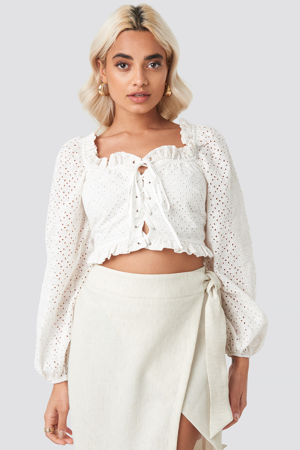 Afj X Na-kd Broderie Anglais Crop Top - White In Stone