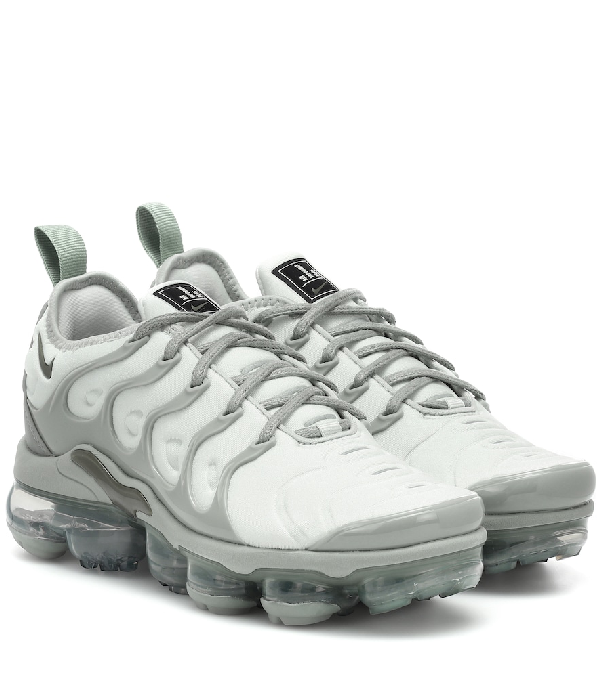 sports shoes 80052 819a6 Women's Air Vapormax Plus Running Shoes, Grey - Size 11.0 in Green
