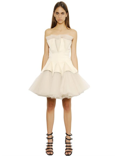 Christopher Kane Strapless Tulle Godet Dress In Ivory