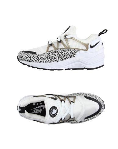 Nike In White