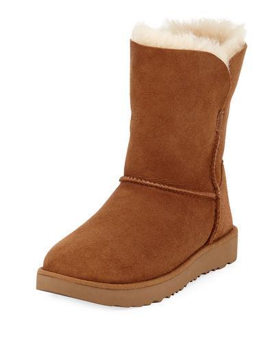 Ugg Classic Cuff Short Boot In Chestnut Suede