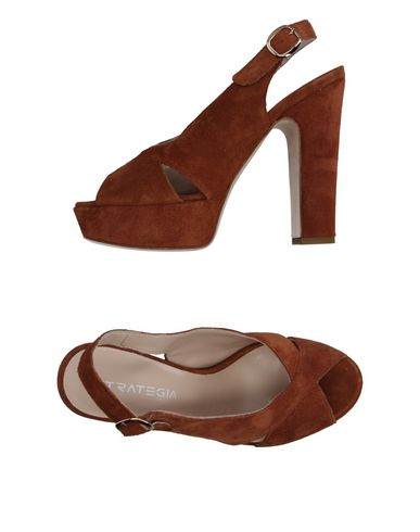 Strategia Sandals In Brown