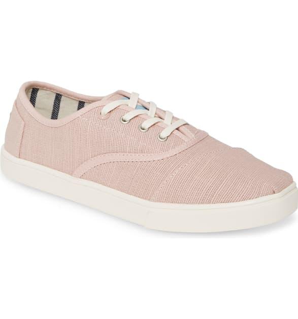 Toms Cordones Sneaker In Ballet Pink Canvas