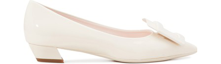 Roger Vivier Gommettine Patent Pilgrim Pumps In Off-White