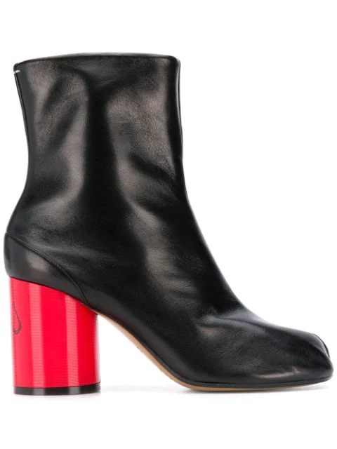 Maison Margiela Heeled Tabi Boots In H6908 Black/Haute Red