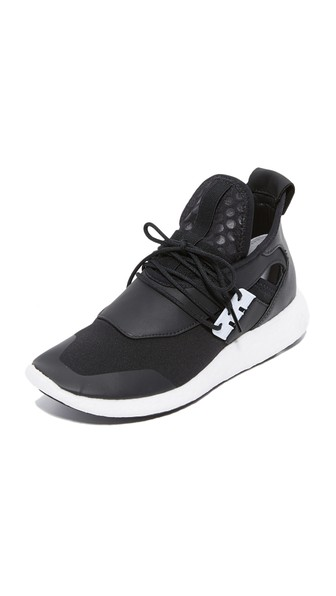 Y-3 Black Elle Run Sneakers In ЧЕРНЫЙ/БЕЛЫЙ