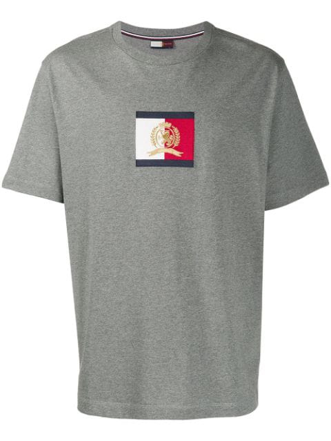 Tommy Hilfiger Logo Patch T-shirt In P9v Silver Fog Heather