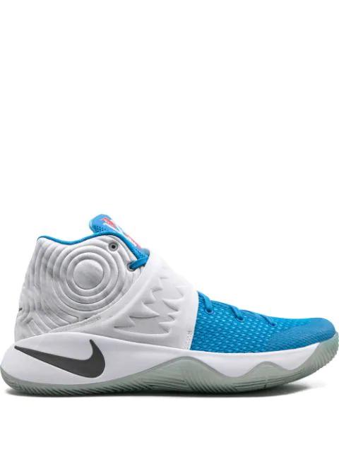 Nike Kyrie 2 Xmas Sneakers In Blue