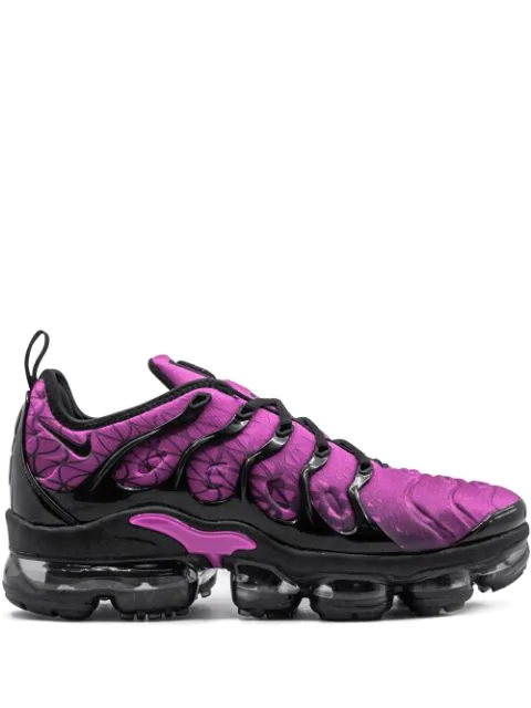 quality design 14d63 0affb Air Vapormax Plus Sneakers in Pink