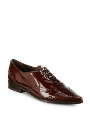 Stuart Weitzman Maneuver Patent Leather Wingtip Oxfords In Rootbeer
