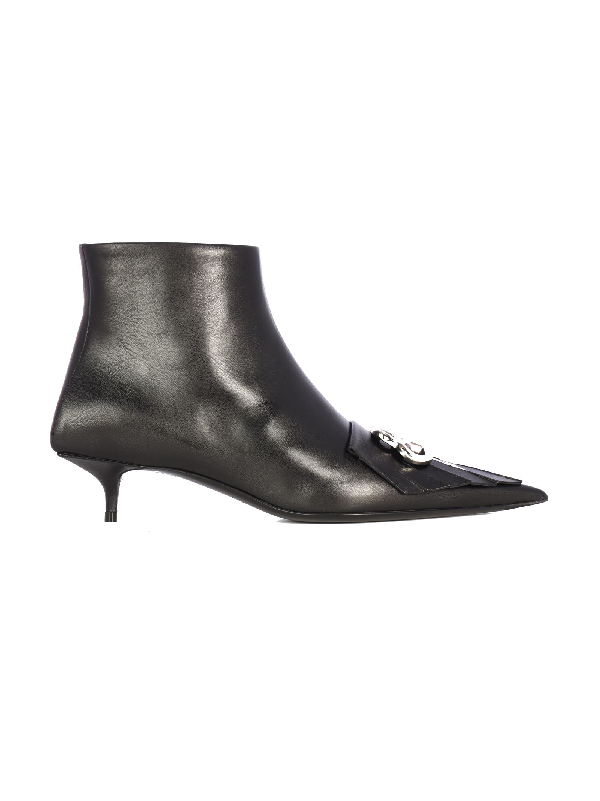 Balenciaga Knife Leather Ankle Boots In Black