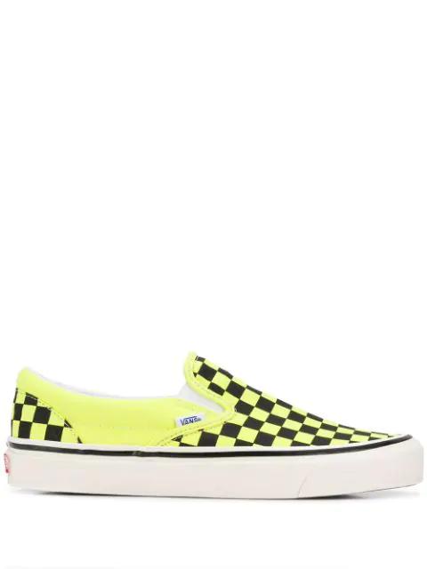 Vans Classic Slip-on Sneakers In V9o1