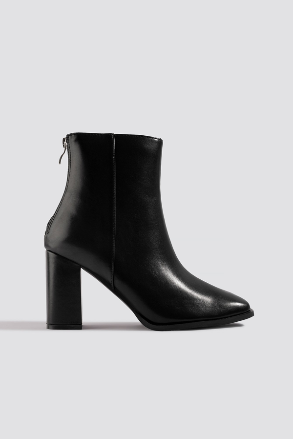 Na-kd Squared Front Ankle Boots - Black