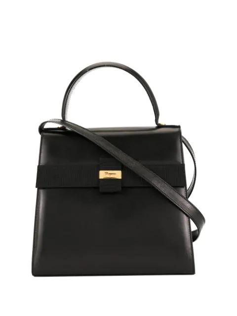 Salvatore Ferragamo Logo Shoulder Bag In Black
