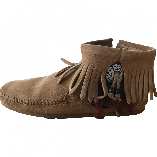 Minnetonka Camel Leather Ankle Boots