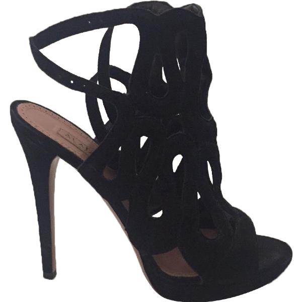AlaÏa Black Suede Sandals