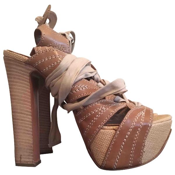 AlaÏa Beige Leather Sandals