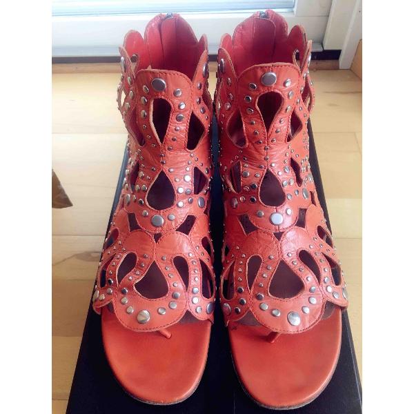 AlaÏa Orange Leather Sandals