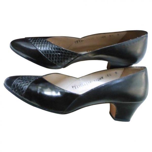 Salvatore Ferragamo Black Leather Heels
