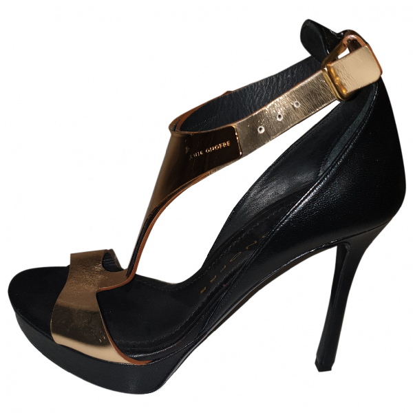 Luis Onofre Gold Leather Sandals