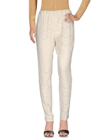 Alice And Olivia Casual Pants In Ivory