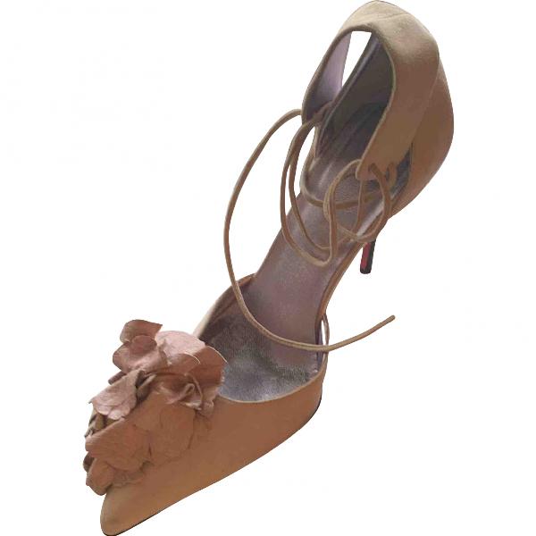 Emanuel Ungaro Pink Leather Heels