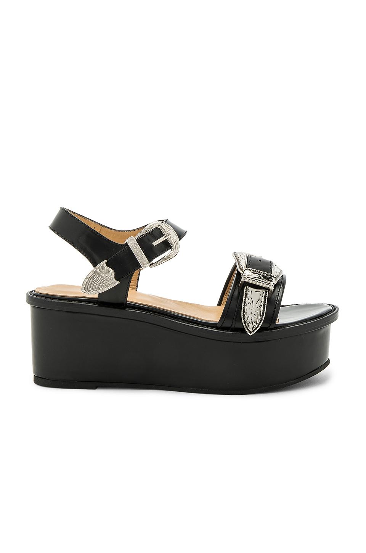 Toga Buckle Leather Flatform Sandals In Black Polido