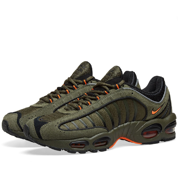 Nike Air Max Tailwind Sneakers In Green