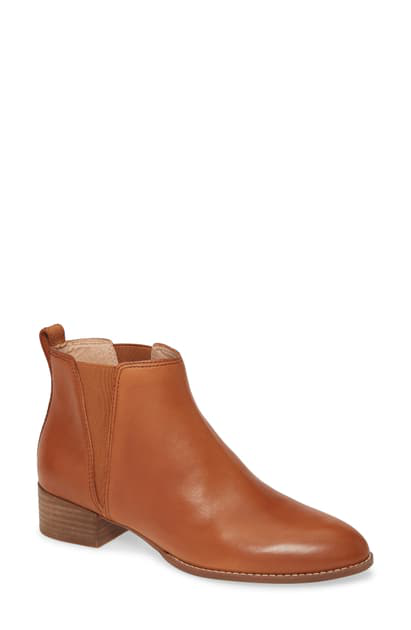 Madewell The Carina Bootie In English Saddle