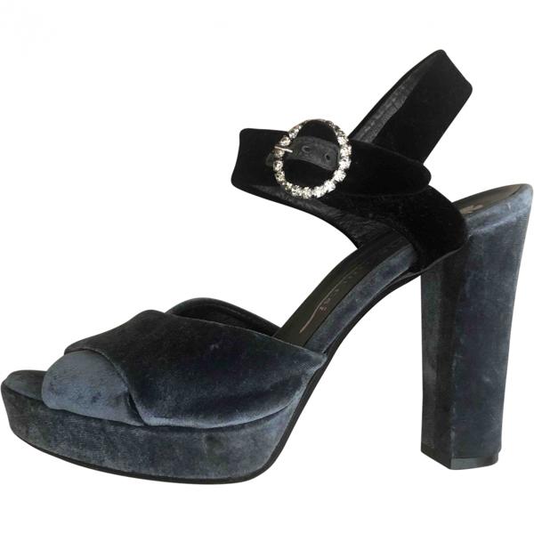 Fiorifrancesi Blue Velvet Sandals