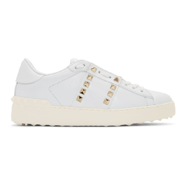 Valentino Garavani Low-top Sneakers Rockstud Untiteld Calfskin Logo Rivets White In 0bo White