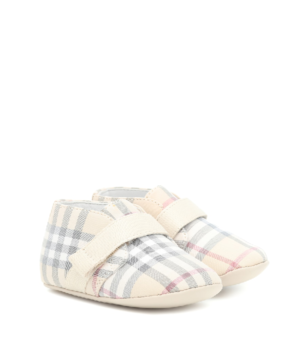 Burberry Unisex Charlton Check Crib Shoes - Baby In Beige