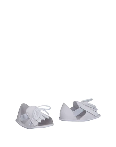 Burberry Babies' Newborn Shoes In White