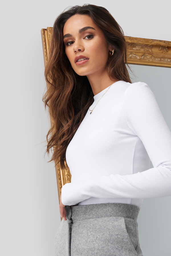 Romy X Na-kd Turtle Neck Cropped Top White