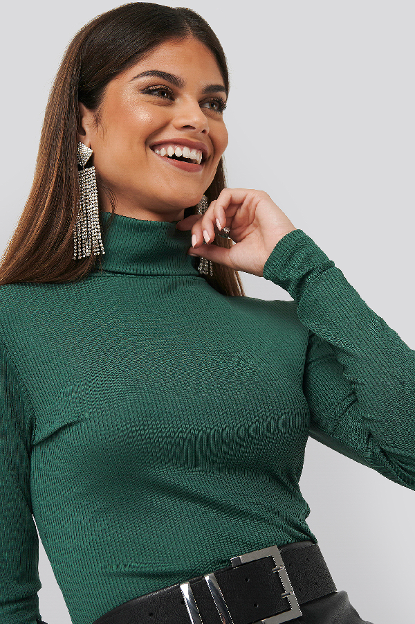 Chloé B X Na-kd High Neck Ribbed Top - Green In Emerald Green
