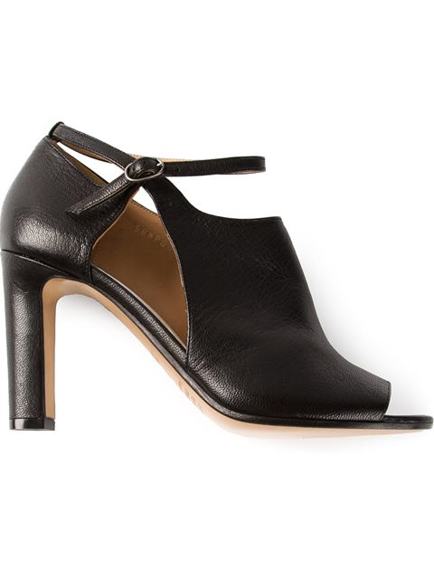Maison Margiela Cut Out Ankle Boot In Black