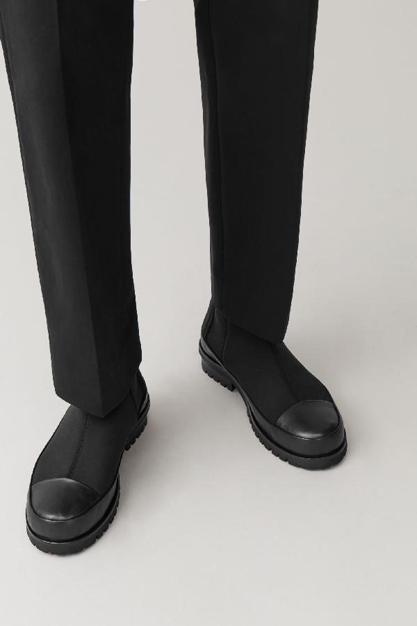 Cos Scuba Chelsea Boots In Black