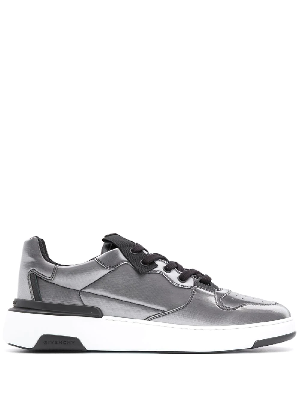 Givenchy Wing Hologramme Low Top Trainers In Grey