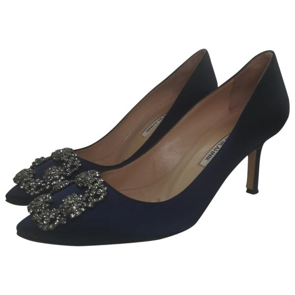 Pre-owned Manolo Blahnik Hangisi Blue Cloth Heels