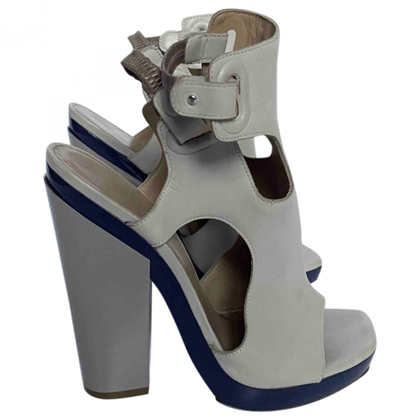 Pre-owned Balenciaga Beige Leather Sandals