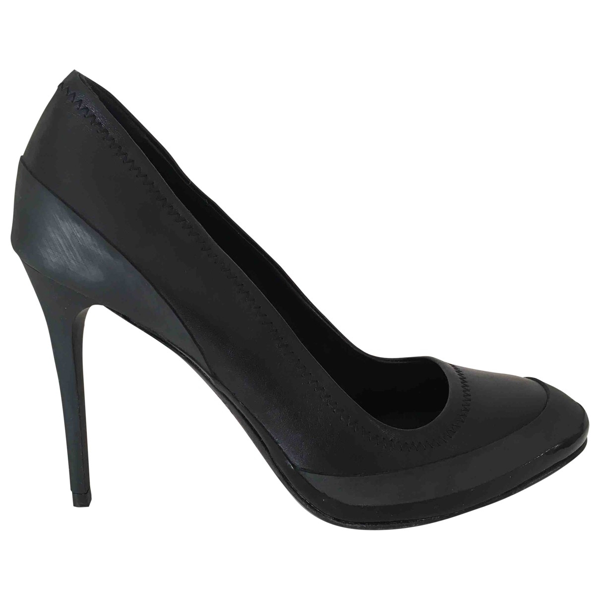 Pre-owned Burberry Black Leather Heels