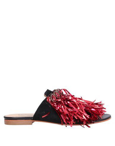 Pokemaoke Sandals In Black